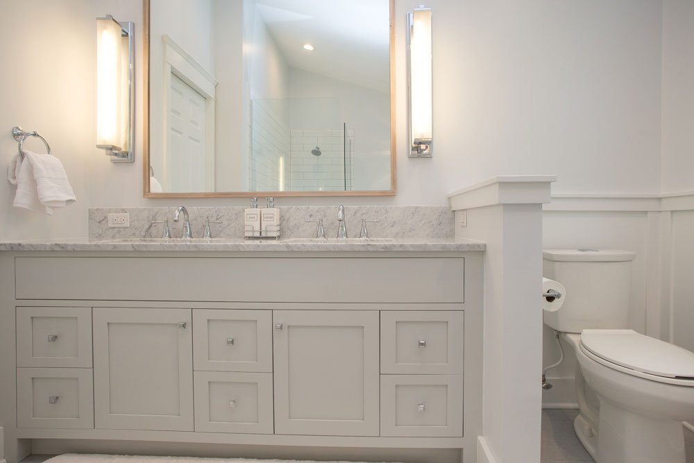 custom-Vanity-benjamin-moore-gray-owl-oc52-applewood-mirror-phoenixville